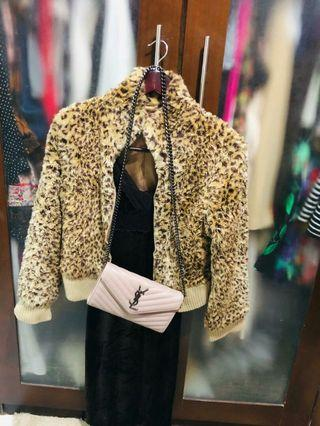 Jacket bulu import leopard dan dress satu set 160k