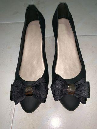 (INS) Jelly Black Wedges