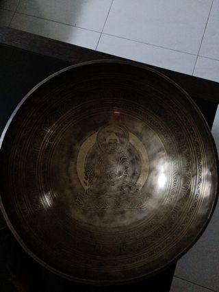 Singing bowl 31 cm diameter nice meditation Buddha art and many blessing shine good sound comes with stick& base cousin first buyer  good discount please check all the pics