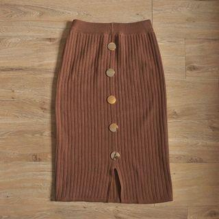 Knit Midi Skirt Brown with Button