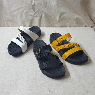 乳膠側帶小高度平底拖鞋涼鞋