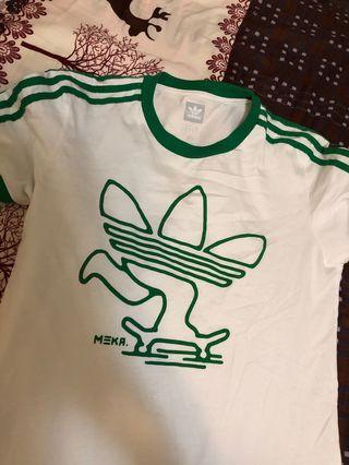 🚚 Adidas original 綠上衣