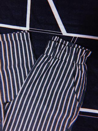 🚚 Cotton On Striped Pants
