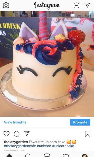 🚚 Unicorn cake