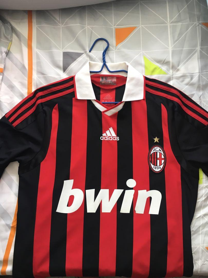 online store 7287a a7f42 AC Milan authentic jersey, Sports, Sports Apparel on Carousell