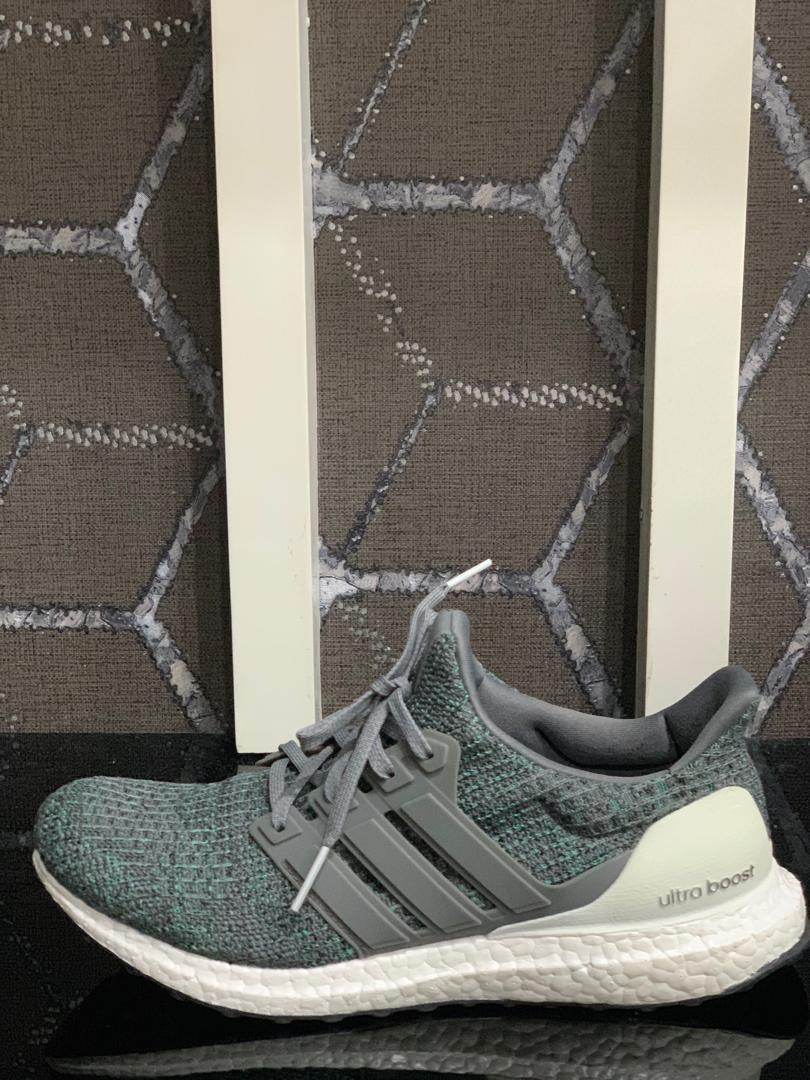 ADIDAS ULTRA BOOST - USED