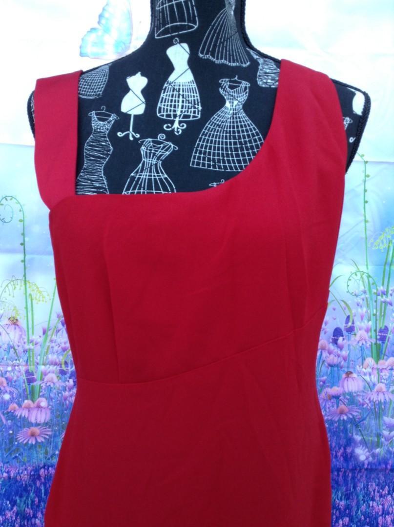 BNWT Diana Ferrari red dress