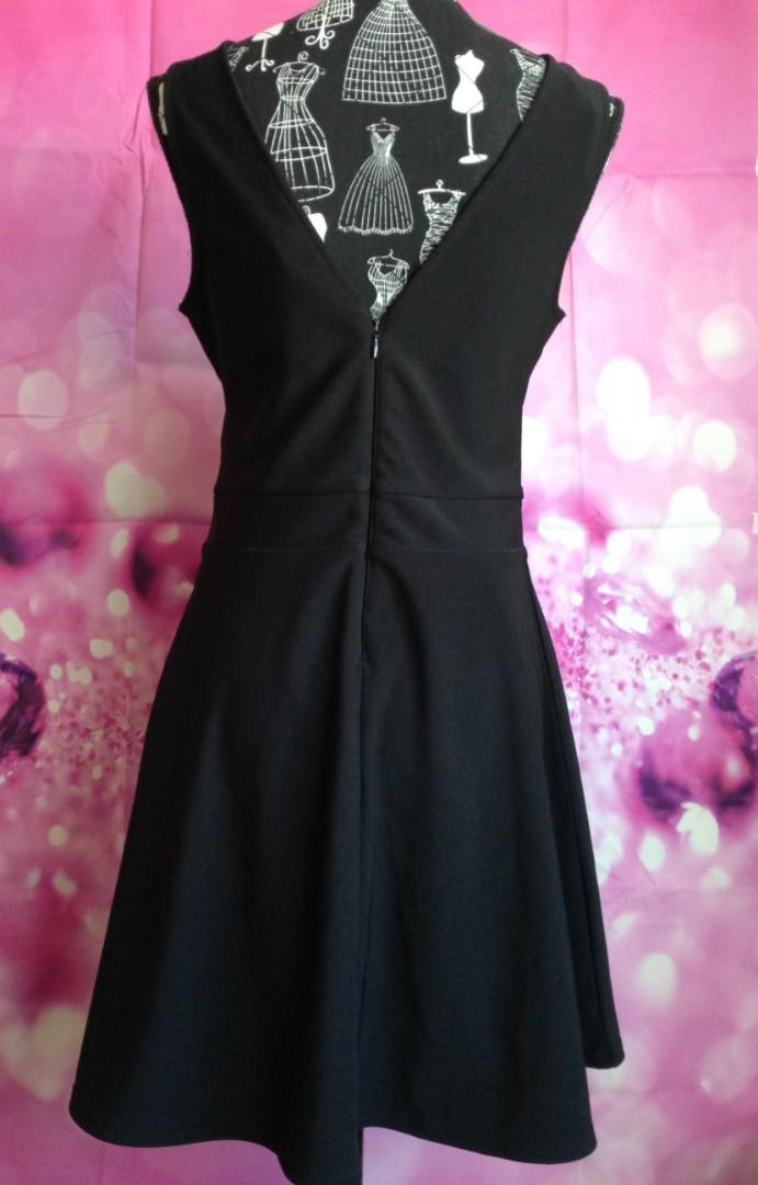 BNWT Lipsy little black dress rRP $109.95
