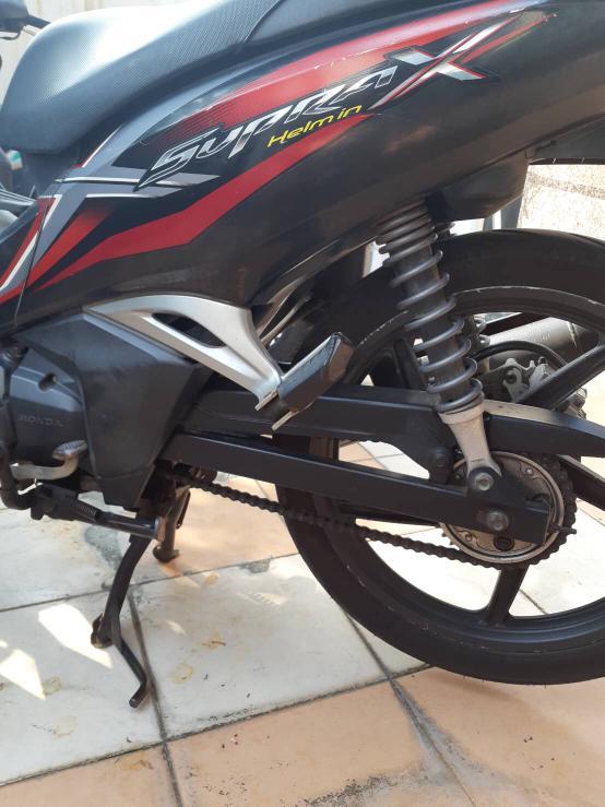 Honda SupraX 125cc 2013 ( helm in )