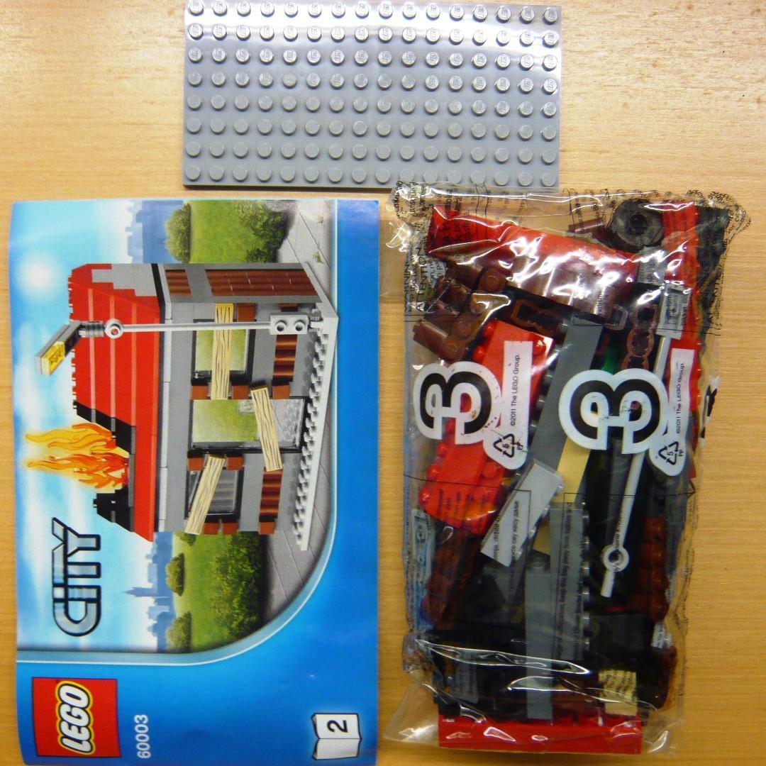LEGO City 60003 Abandoned house only 淨着火小屋1間 (全新 未砌 與 60233 60231 60214 60216 共融)