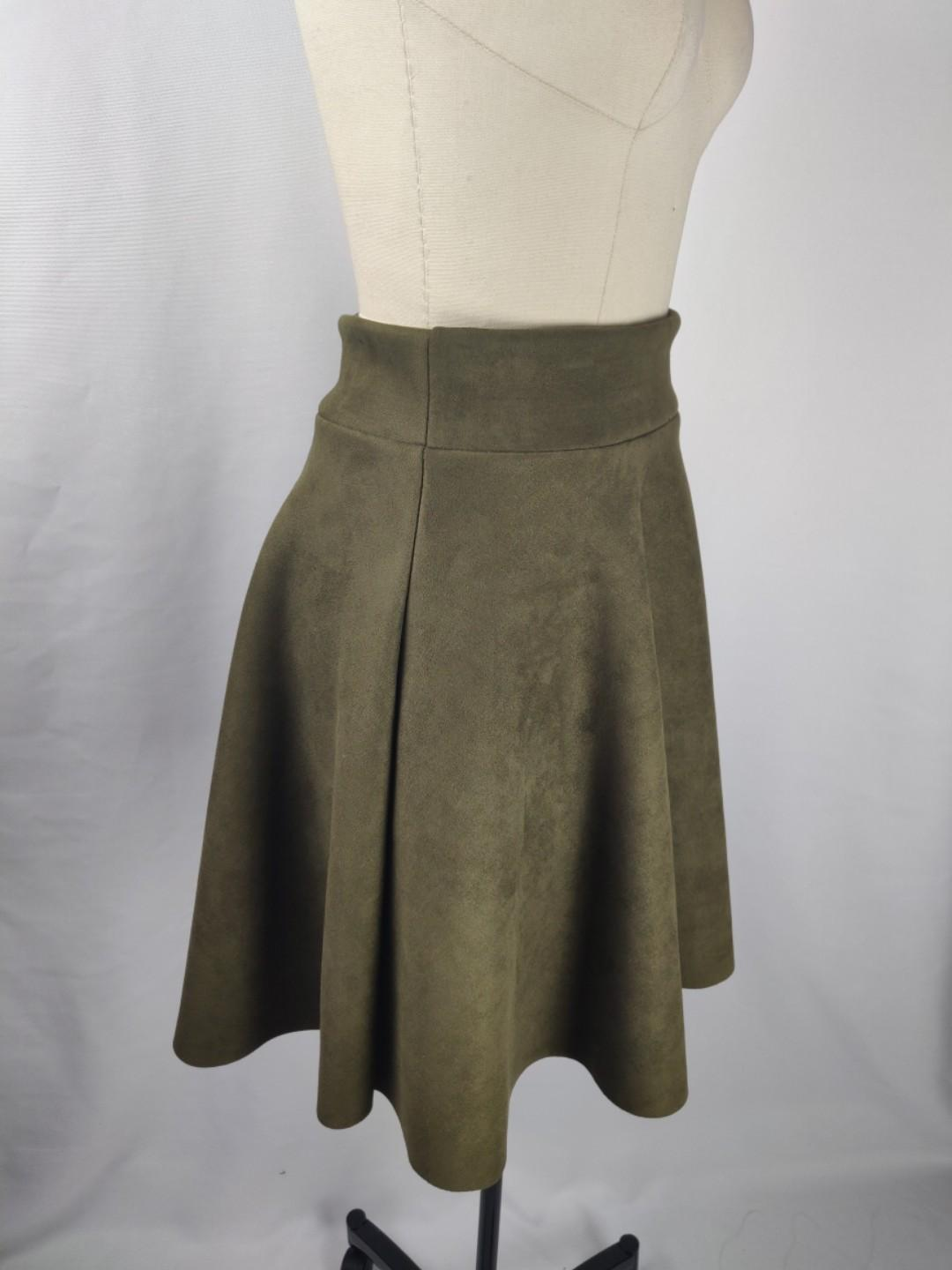 NWOT Ladies army green above the knee skirt size 4