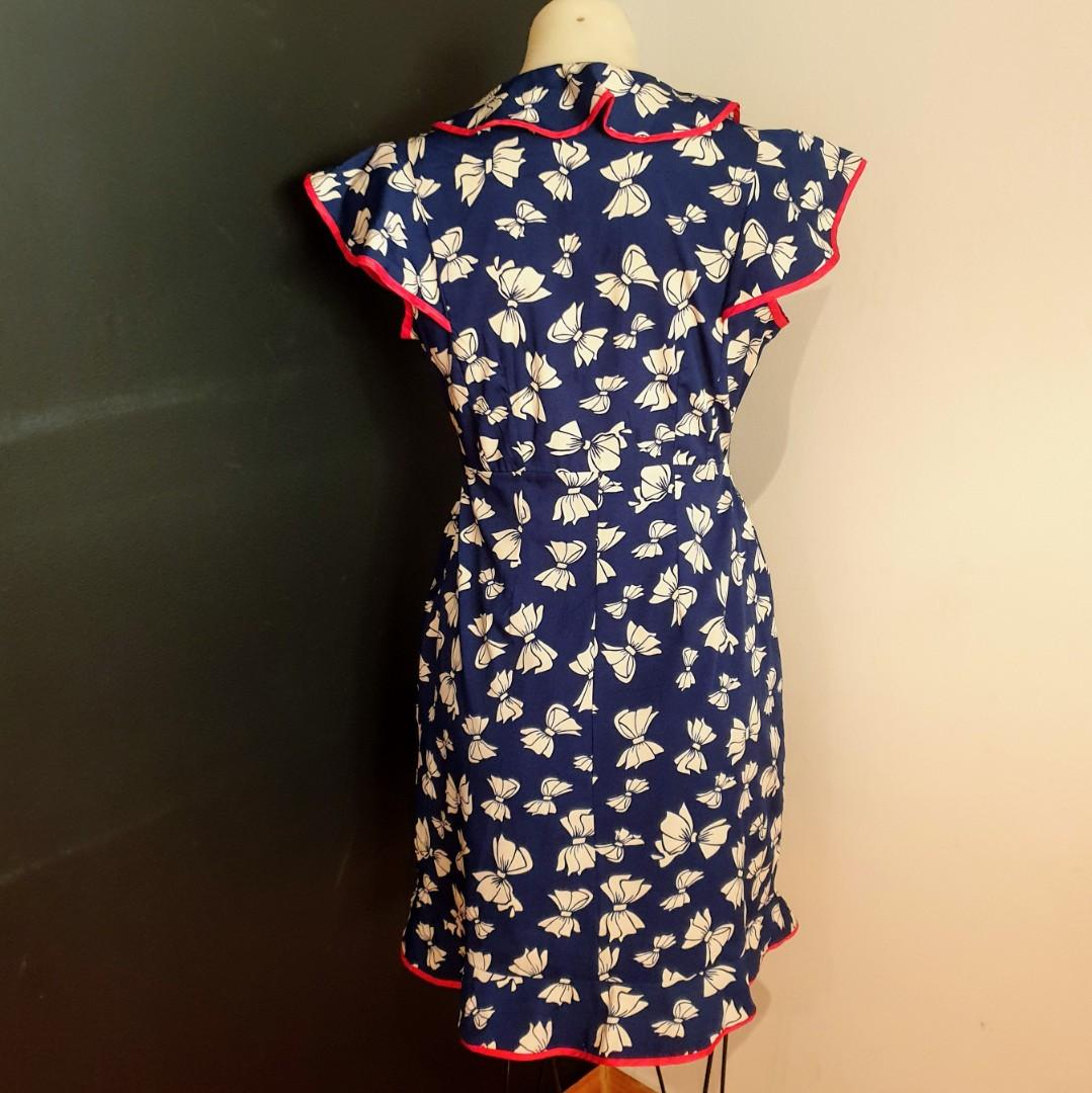 Women's size 10 'ATMOSPHERE' Gorgeous navy with red trim bow print ruffle dress - AS NEW
