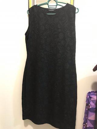 Black Dress - Avenue