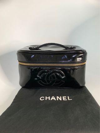 💯真品Auth 連塵袋 Chanel CC logo makeup bag 網紅大熱款經典款黑色漆皮化妝袋手袋 送銀鏈