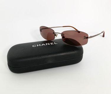 💯真品Auth 大特價SALE 連眼鏡盒 Chanel CC logo sunglasses 網紅大熱超人氣經典太陽眼鏡