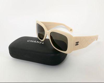 💯真品Auth 大特價SALE 連眼鏡盒 Chanel CC logo Ivory sunglasses 網紅大熱超人氣經典復古象牙色太陽眼鏡