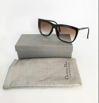 💯真品Auth 大特價SALE 近全新 連眼鏡袋 Christian Dior black vintage sunglasses 網紅大熱經典黑色復古太陽眼鏡
