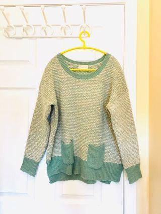 Vintage sweater with pockets