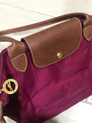 Longchamp Le-Pliage 長把尼龍小型手提包購物包酒紅色 可配西裝 降價囉!