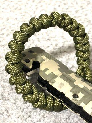 Paracord Bracelet ❤️HER  TACTICAL BRACELET IN ARMY GREEN 🔥I'M NEW IN STOCK🔥 🔥MADE IN SG 🇸🇬 🔥 🔥FREE POSTAGE 🔥  ❤️ HER  Wrist Size 160mm