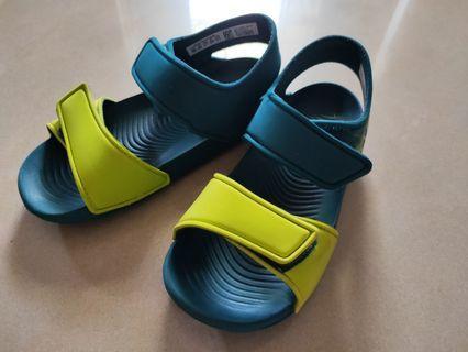 Adidas 愛迪達 男童涼鞋 15.5號  兒童輕量鞋 台南面交