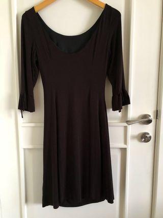 🚚 Elegant black dress