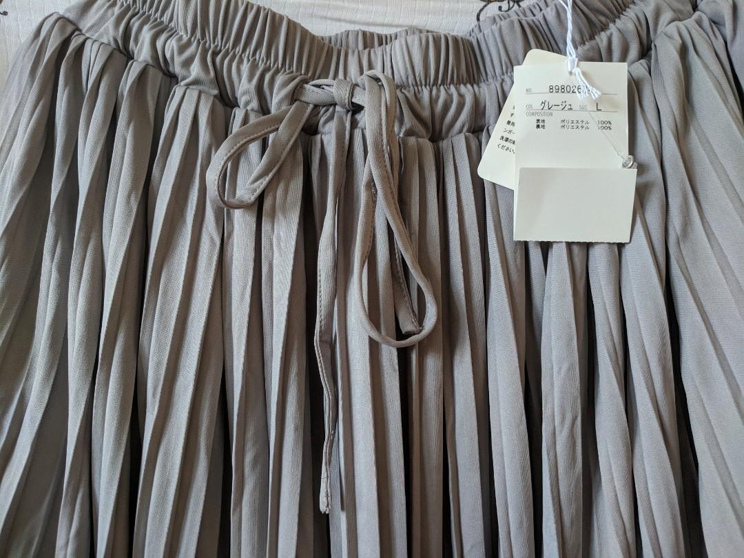 日單灰色長半身裙。100%new。