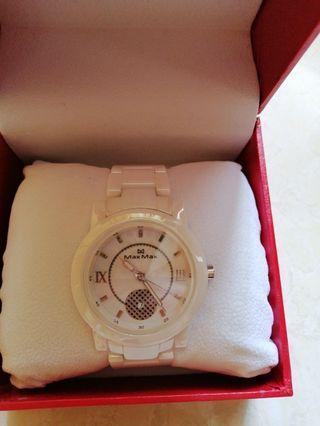 Jam tangan elegan by max max