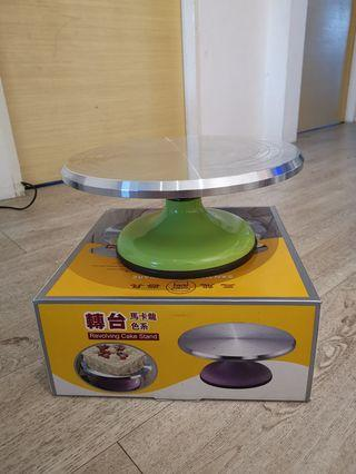 🚚 Revolving cake stand