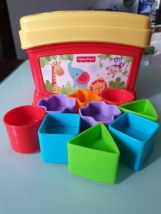 🚚 Fisher Price shapes toy