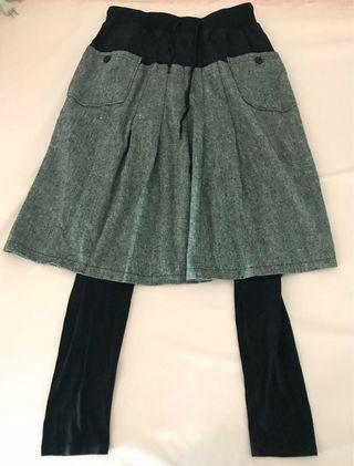 🚚 秋冬褲裙,褲長92公分,裙長65公分,腰圍33公分,彈性腰圍(誤差三公分)