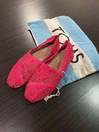 Toms classic pink crochet shoes