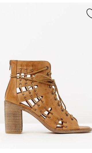 Mollini Tan jayman suede heels sandals