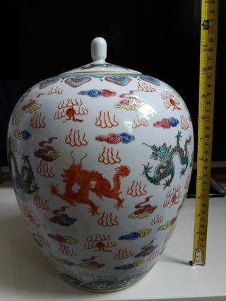 五彩瓷器罐
