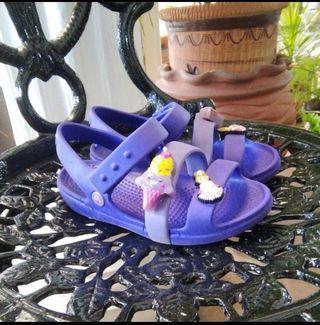 Kids Crocs Sandals With Jibbits #Rayathon50