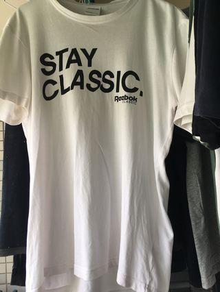 🚚 Reebok T-shirt