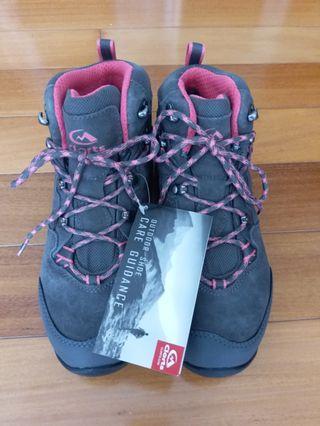 全新日本買防水行山鞋