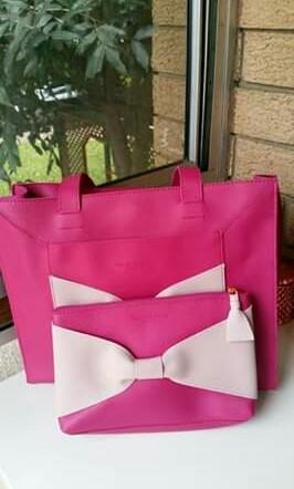 Elizabeth arden bag & pouch