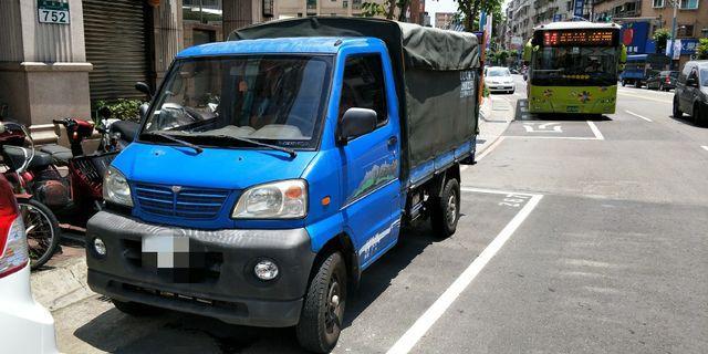 中華菱利 小貨車 1.2  2009年2月