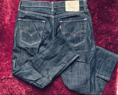 🚚 Levi's 511  W32 L34  原色牛仔褲