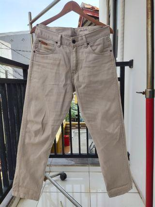 Celana Jeans: WRANGLER Jeans Khaki - Size 32