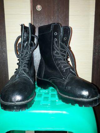 Jual Murah Sepatu Boots 200K Ukuran 39/40 Hanya Sepasang