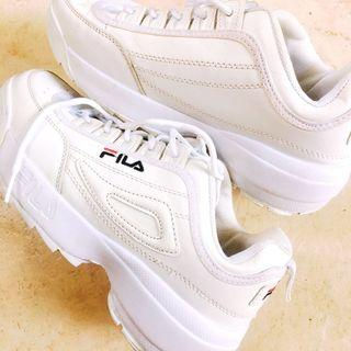 Fila Disruptor Shoes #sneakers#white#SociollaCarousell#maulol