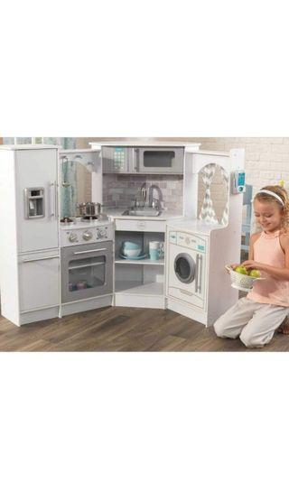 BNIB Kidkraft Ultimate Corner Play Kitchen with Lights and Sounds