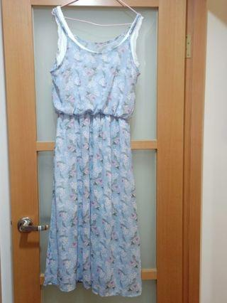 粉藍色小碎花洋裝