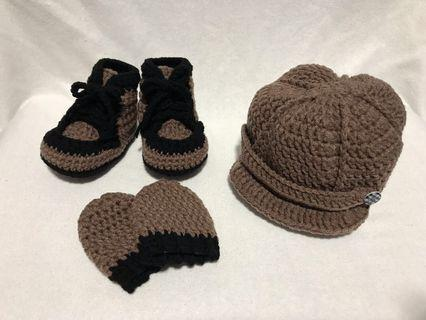 Crochet Baby Boy Hat, Shoes and Mittens Set