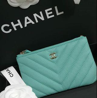 💙Perfect Blue💙 19S Chanel o case wallet pouch (gold hardware cavair)