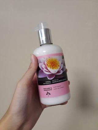 🚚 M&S Water Lily Body Lotion