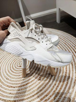 Nike white Huarache Sneakers shoes