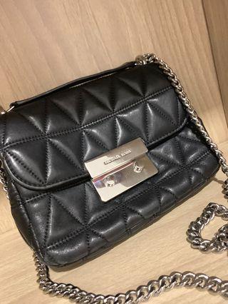 Preloved Michael Kors Black Trendy Handbag